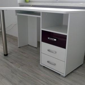 czarno-białe biurko