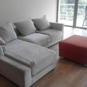kanapy w pokoju
