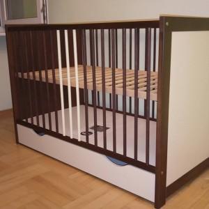 łóżko dla niemowlęcia