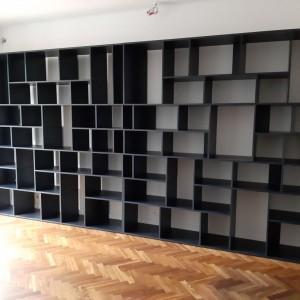 półki czarne