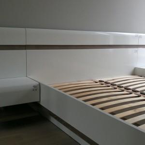 rozłożone łóżko